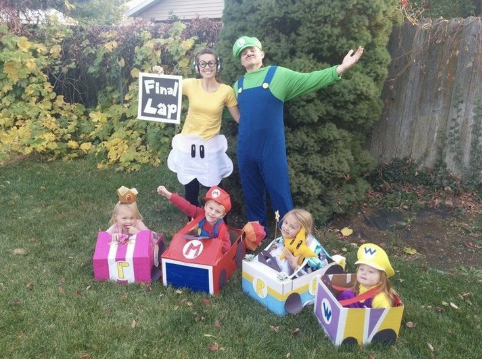 10 Creative Halloween Costumes that the Whole Family Will Love